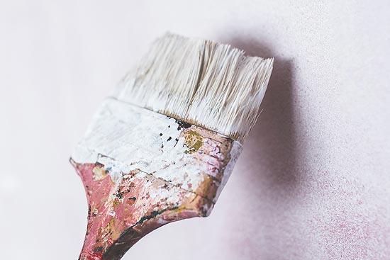 Schimmel weg - Wand streichen